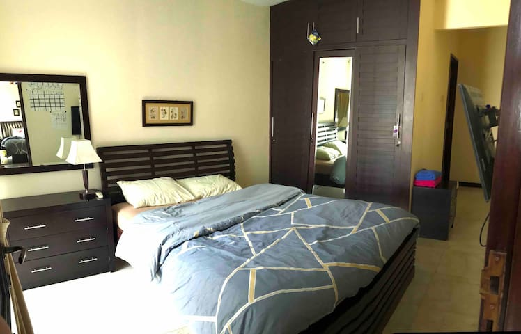 Master bedroom with private bathroom and hot tub :)