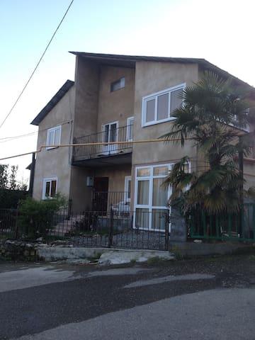 Семейный отдых,горный воздух, МОРЕ! - Lazarevskoye Microdistrict - Apartment