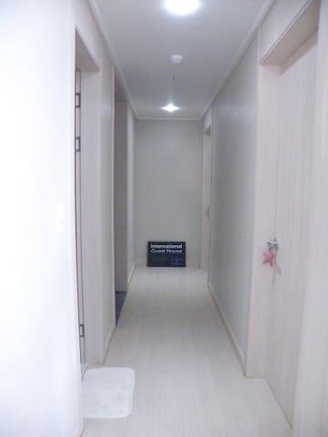 1min Merto Busan Seomyeon BnB Guesthouse 4 Dorm