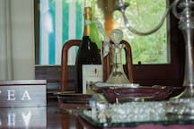 Close to award winning boutique wineries ask about our exclusive barrel tastings.