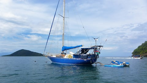 Experience sailing life in San Blas, all inclusive
