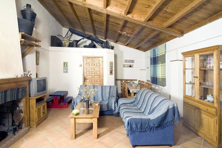 Casa 4 dormitorios con huerto y granja ecologicos - Ventorros de San José - Ferienunterkunft