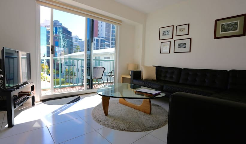 Beachside Breeze  (Bea's) - Surfers Paradise - Wohnung
