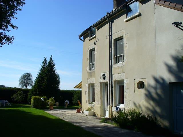 Großes Haus direkt am Fluss - Ray-sur-Saône