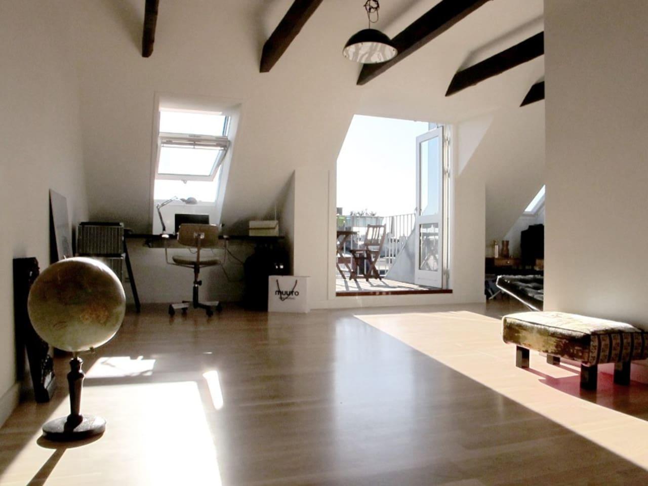 main studio/room