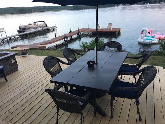 Deck dining and grill for your use