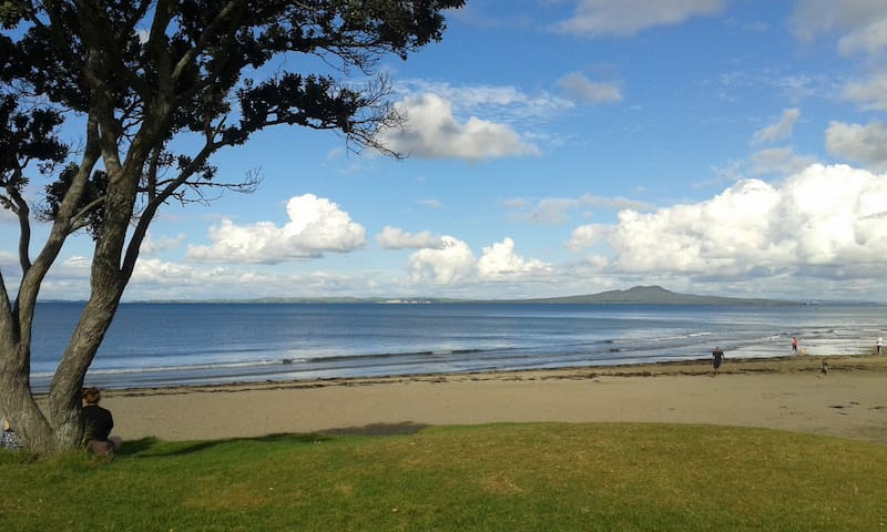 Beautiful 2-bedroom unit in Browns Bay - Auckland - Huoneisto