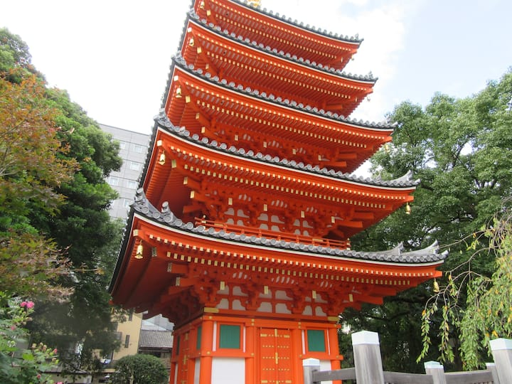 beautiful five storied pagoda