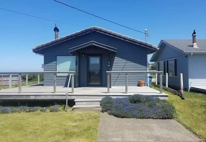 Oceanside Beach Cottage