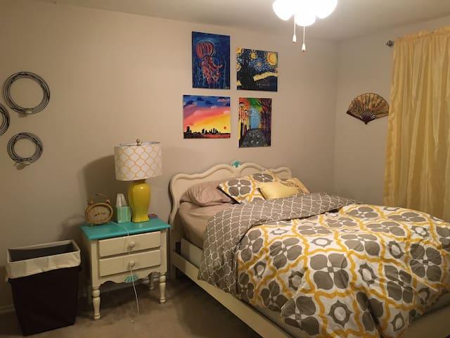 Cheerful East Austin Apartment Space - Austin - Pis