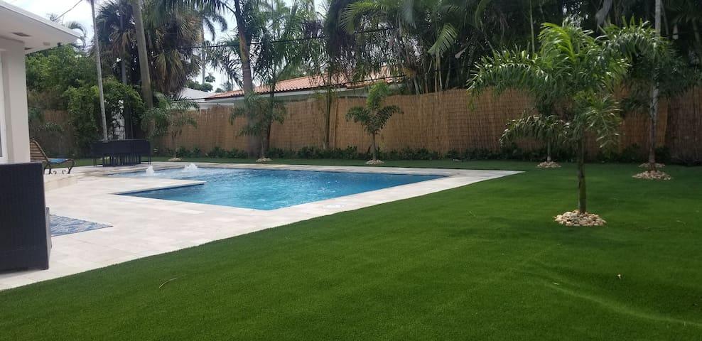 Luxury Home Miami Beach & OCEAN  Private Island!