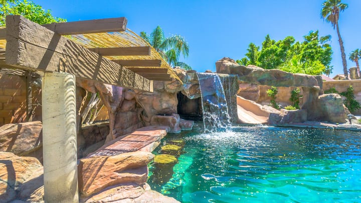 ROCKSTAR PS OASIS! POOL+GROTTO+GOLF!! THE BEST!