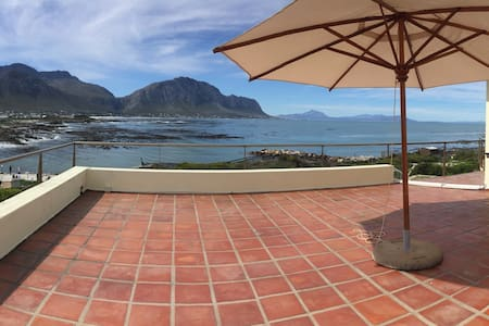 Family House 360 views at Penguins - Betty's Bay