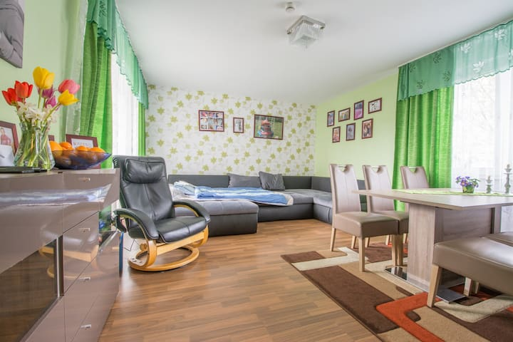 4-room Apartment at Laatzen near Exhibition IAA