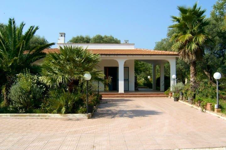Villa Piano Piano, A home from home in Puglia