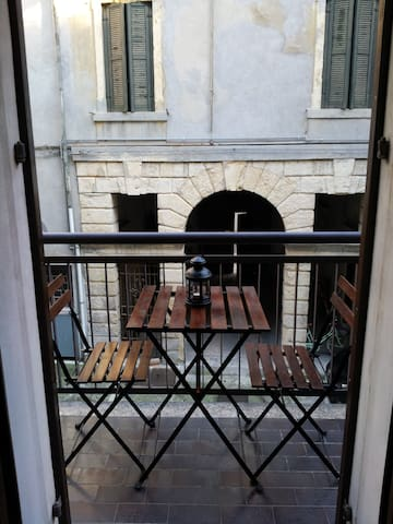 Nice flat 1 minute from Piazza Erbe