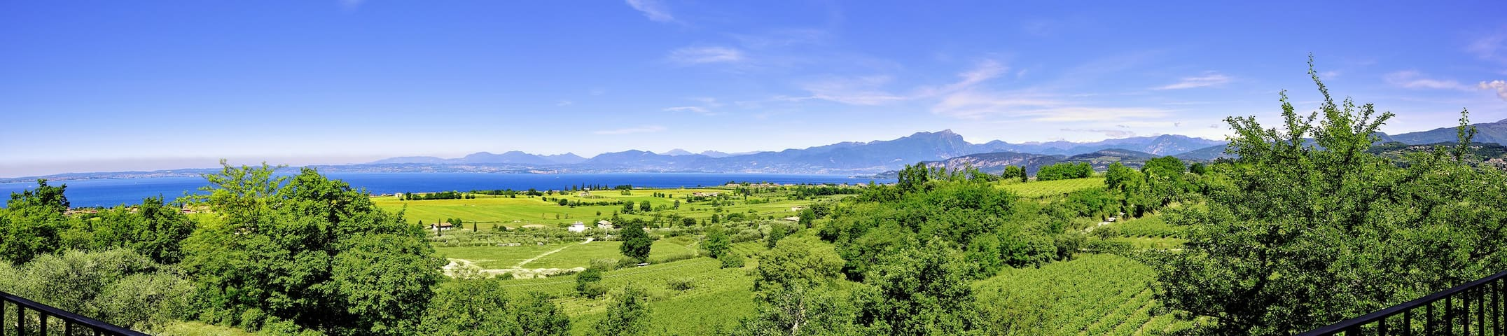 Amazing setting in the vineyards. Super lake view! - Lazise