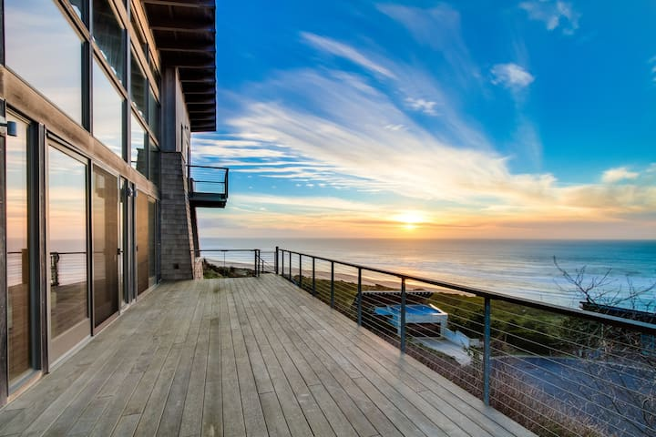 Ocean views & private sauna await in this extremely luxurious home!
