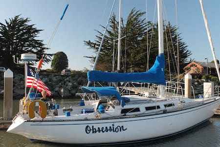 Cozy Waterfront 38' Sailboat B&B - Eureka - Barco
