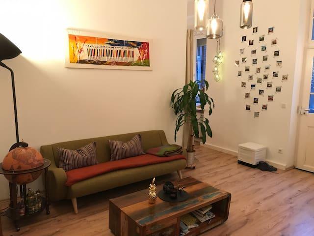 Schicke Altbauwohnung mit Designeinrichtung - Mannheim - Appartamento