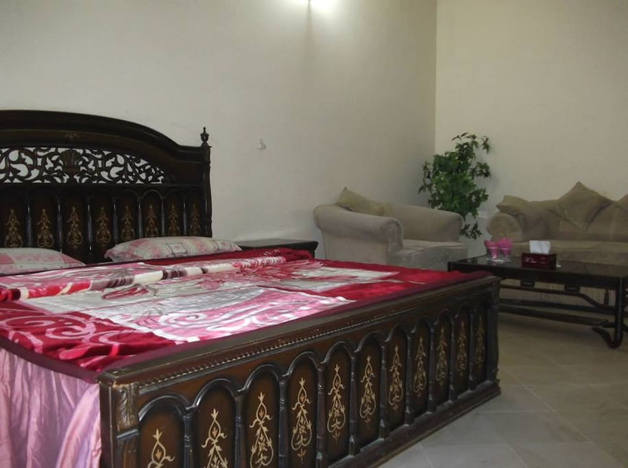 Royal Chalet Guest House Lahore