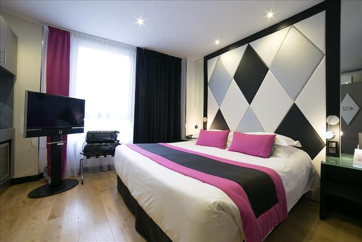 Nice room in the heart of Paris!