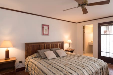 Hotel Posada el Quijote: Studio - Escazu - Bed & Breakfast