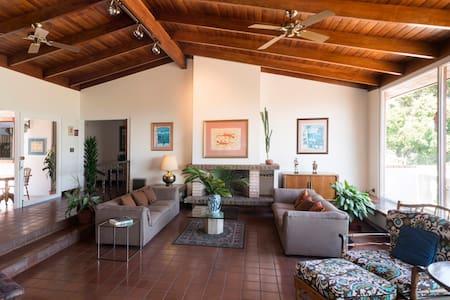 Hotel Posada el Quijote: Studio - Escazu - Bed & Breakfast