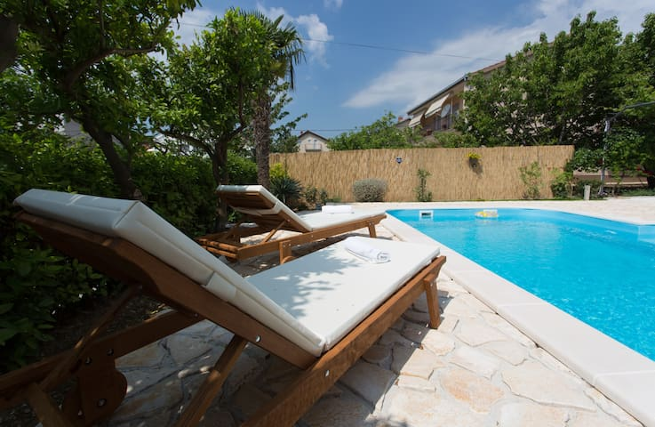 Villa Roso -  apartment,  green terrace & pool
