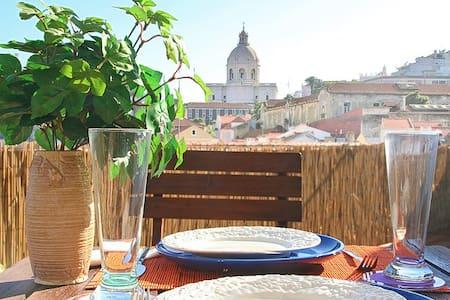 Great Views. City Centre. Free WiFi - Lissabon - Lejlighed