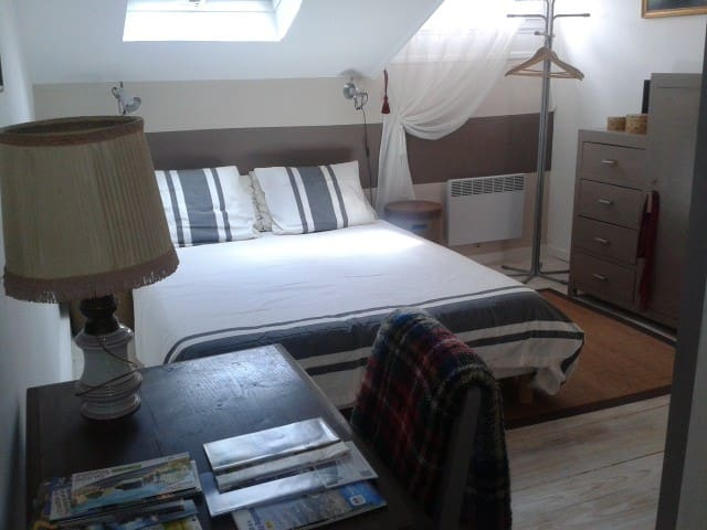 Charming bedroom 2 in Royan center