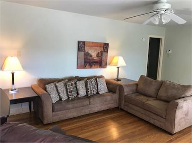 2 Bedroom Apartment in Quiet Area