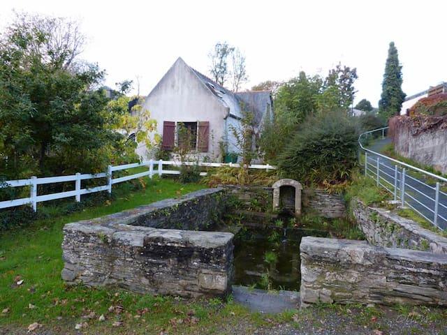 Maison dans village côtier breton - Локеноле - Дом