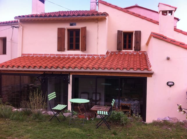French Pyrenees : Our lovely home  - Taurinya - Haus
