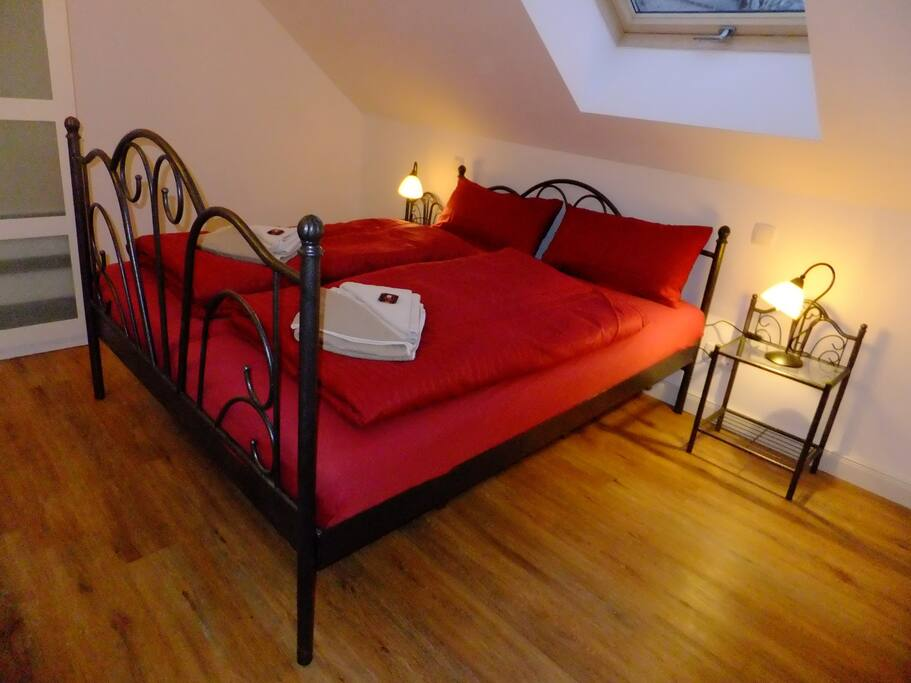 Schlafzimmer 1, Bedroom 1