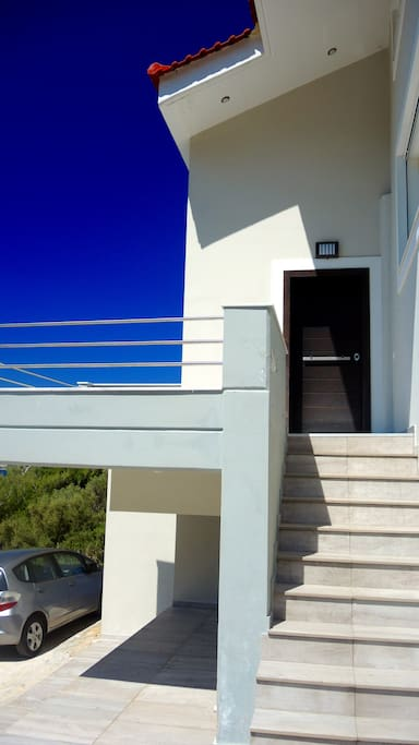 2.Entrance from Outside