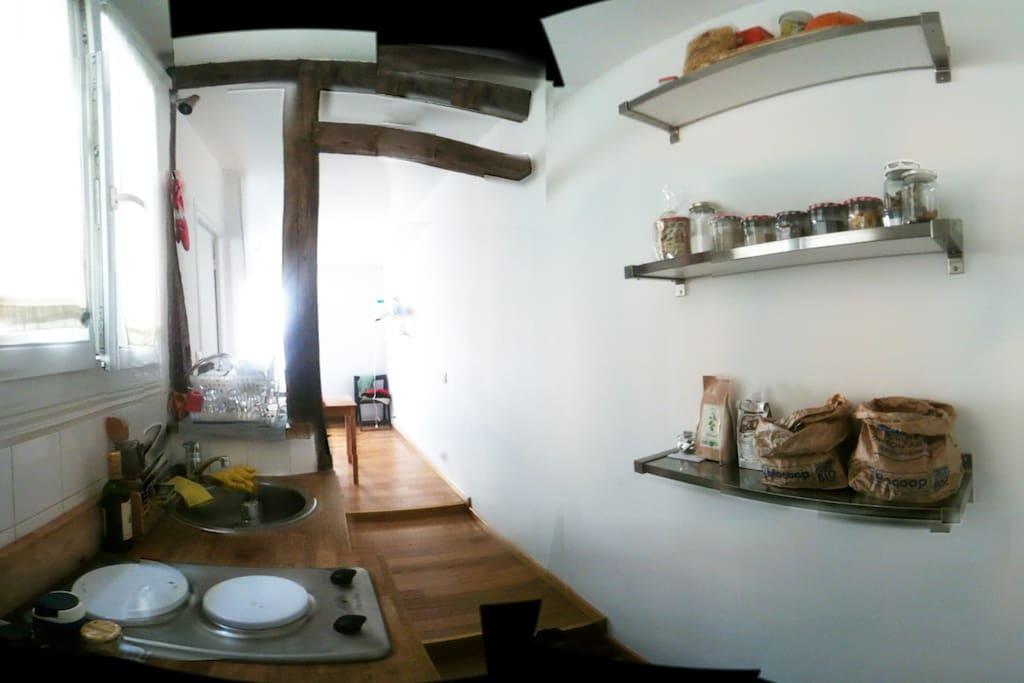 cucina e ingresso/cuisine et entrée