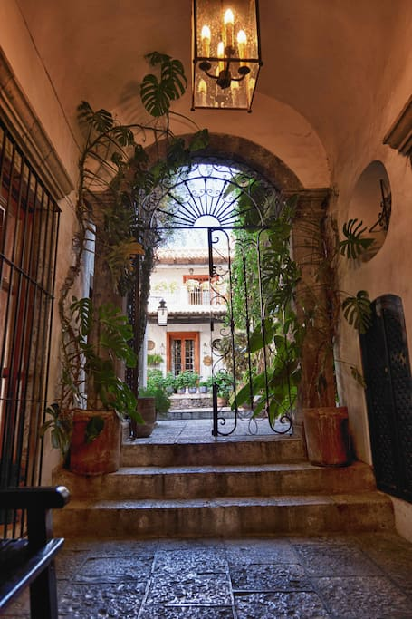 Casa pi a sma steps to el jardin houses for rent in san for Jardin san miguel de allende