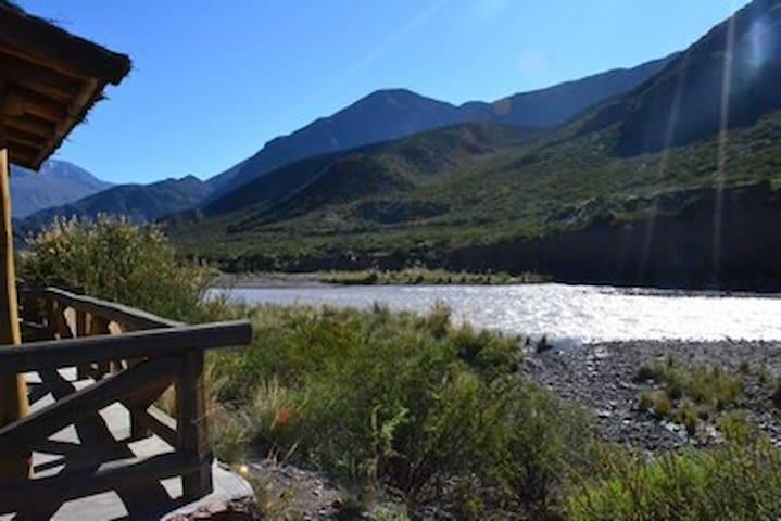 Cabaña de montaña a orillas del río - Potrerillos - Cabana