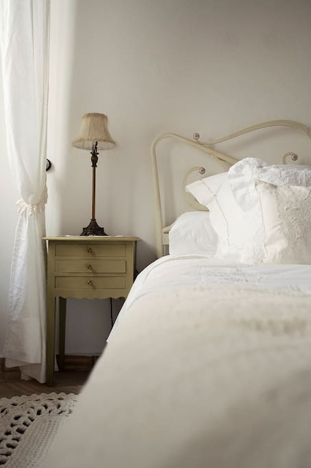 Fresh and Cool Percale Cotton Linens and extra Goose Down Duvet in Winter