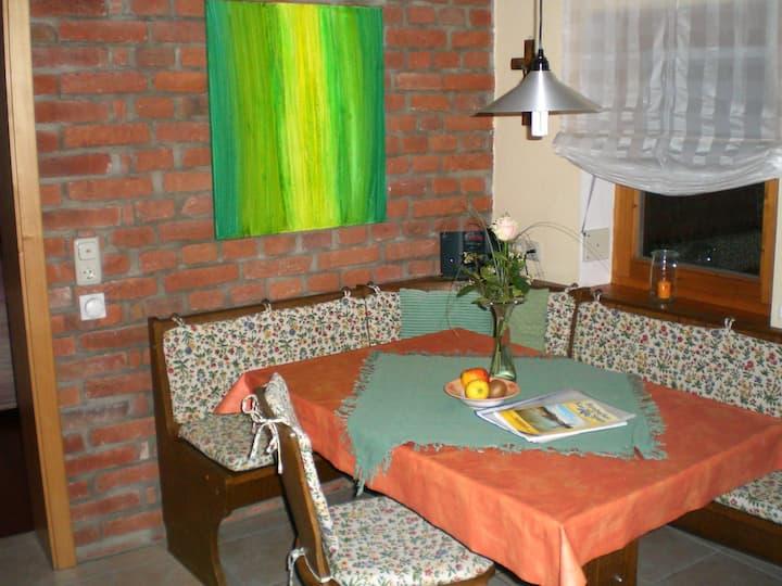 Ferienhof Bimesmeier (Triftern), Ferienwohnung 1 (45qm) mit großem Balkon und Wohnküche