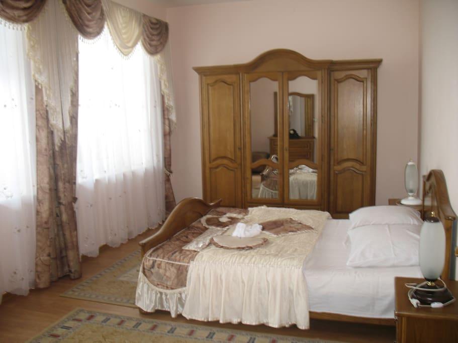 Спальня. Апартаменты 203