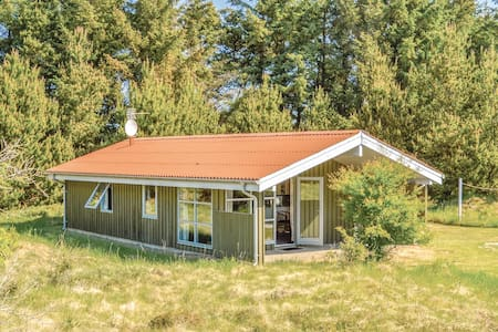 Holiday cottage with 2 bedrooms on 61m² in Løkken