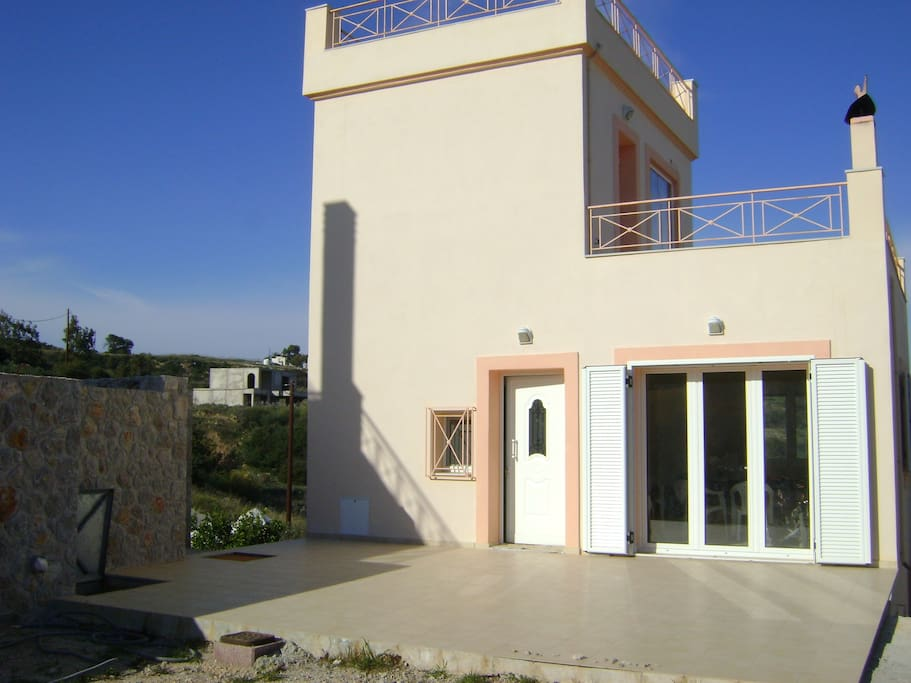 Villa Xenia βεράντα καθιστικού/  veranda in front of living room