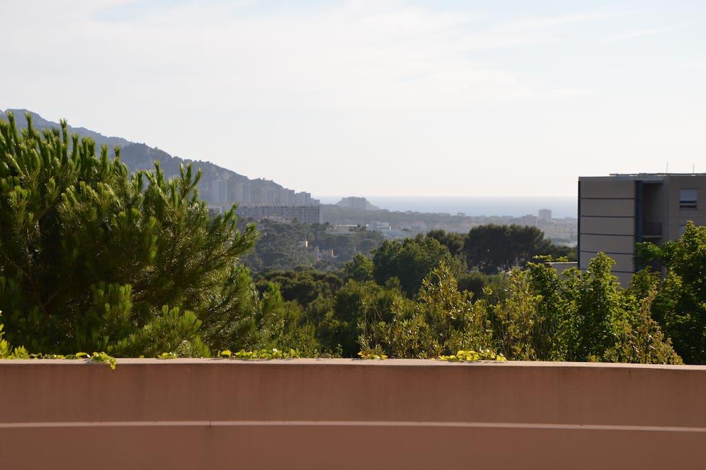 Une très belle vue avec au loin la Méditerranée