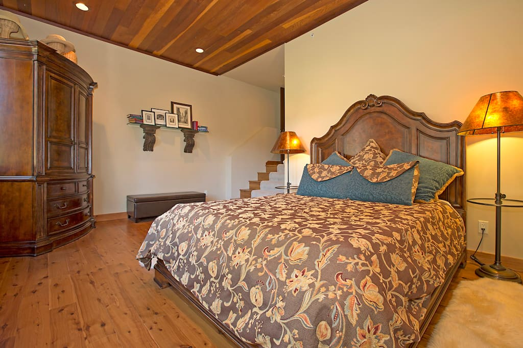 We call this the Ventician Room; queen bed, hardwood floors and radiant heating.