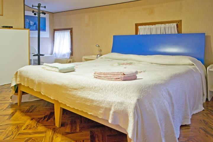 "B&B Pleris - Bedroom ""Venier"" - Asolo - Bed & Breakfast"
