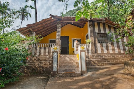 Wi-Fi (+backup) 2BHK in nature 250m to Patnem bay