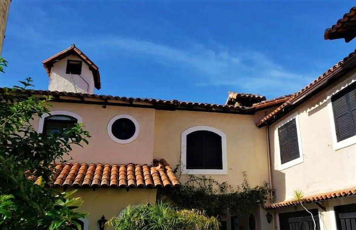 Casa em condomínio, wi-fi, garagem, acesso Qrcode