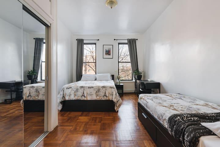 2 bedroom apt in Brooklyn, downtown